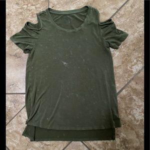 Open shoulder marbled t-shirt
